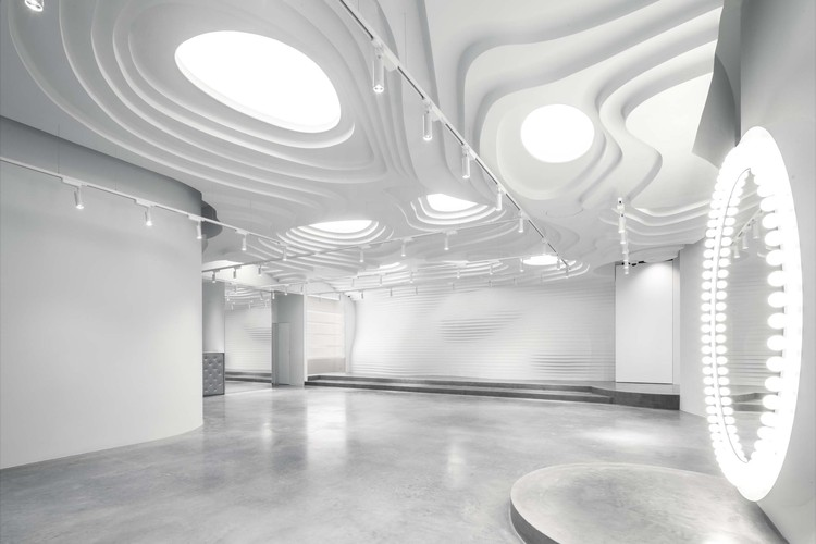 White Cave 零售展览空间